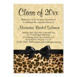 Estampado leopardo con la graduación del arco/la invitaciones personalizada