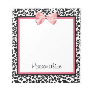 Estampado leopardo de moda y cinta rosada con bloc de notas