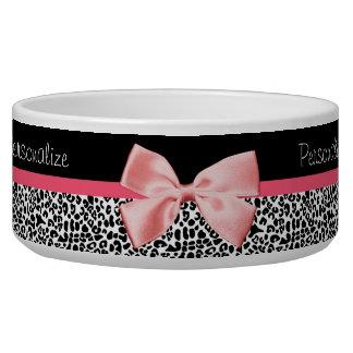Estampado leopardo de moda y cinta rosada con nomb tazon para perro