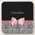 Estampado leopardo de moda y cinta rosada con nomb posavasos