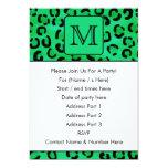 Estampado leopardo verde con el monograma de invitación 12,7 x 17,8 cm