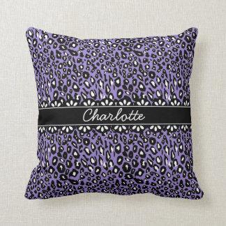 Estampado leopardo y cordón púrpuras de moda cojín