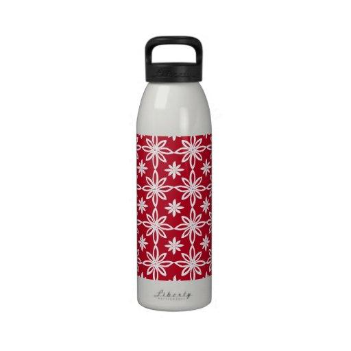 Estampados de plores en rojo con las flores blanca botellas de beber