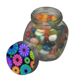 Estampados de plores retros coloridos en fondo jarrones de cristal