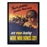 Están luchando la guerra mundial 2 postal