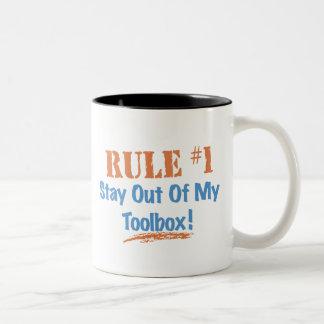 Estancia de la regla 1 fuera de mi caja de herram taza de café