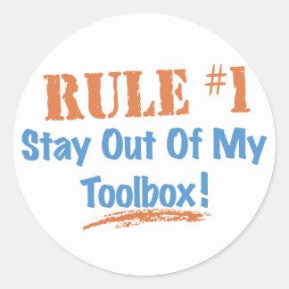 Estancia de la regla #1 fuera de mi caja de etiqueta redonda