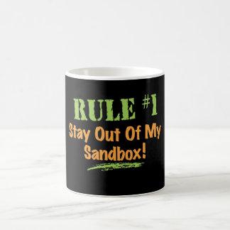 ¡Estancia de la regla #1 fuera de mi salvadera! Tazas