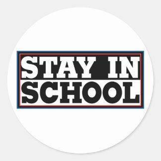 Estancia en escuela pegatinas redondas