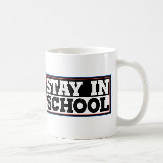 Estancia en escuela taza de café