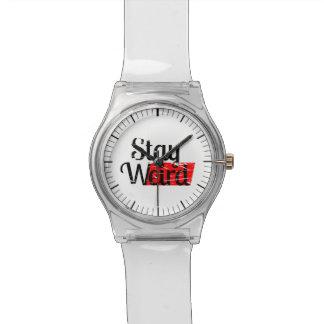 Estancia extraña reloj de mano