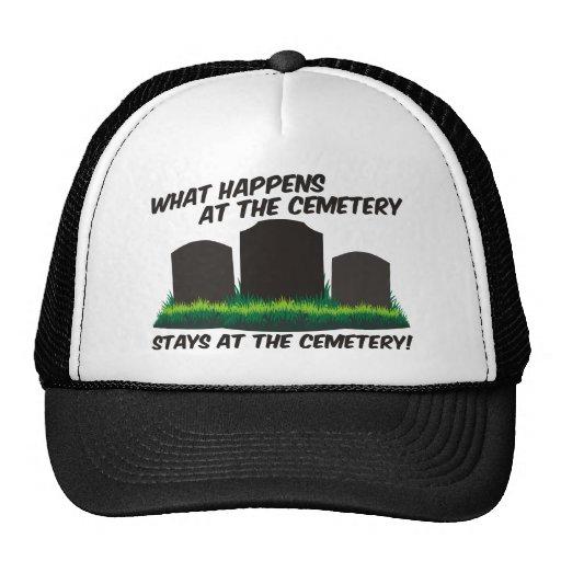 Estancias en el cementerio gorra