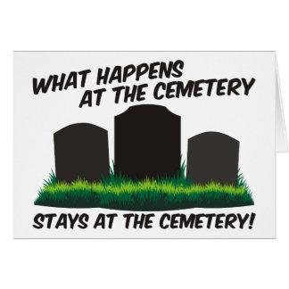 Estancias en el cementerio tarjeta pequeña
