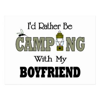 Estaría acampando bastante con mi novio postal