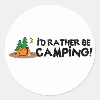 Estaría acampando bastante pegatina redonda