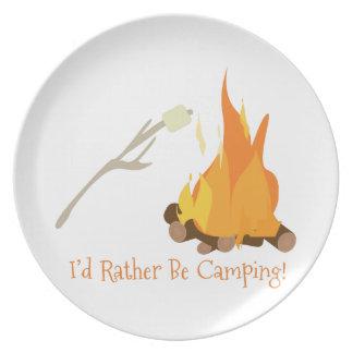 ¡Estaría acampando bastante! Plato Para Fiesta