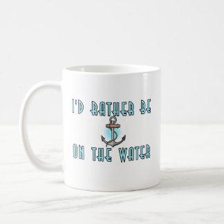 Estaría bastante en el agua taza de café