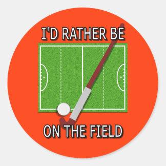 Estaría bastante en el campo (el hockey) pegatina redonda