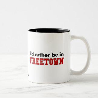 Estaría bastante en Freetown Taza De Dos Tonos