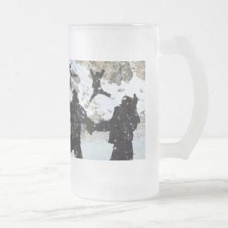 Estaría bastante en la nieve, taza