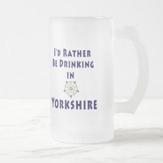 Estaría bebiendo bastante en la taza de Yorkshire