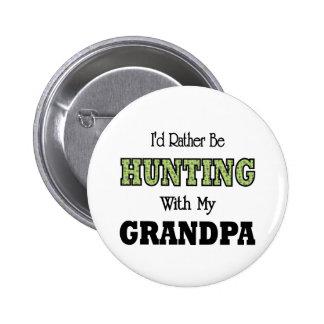 Estaría cazando bastante con el abuelo pin