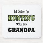 Estaría cazando bastante con el abuelo alfombrilla de ratones