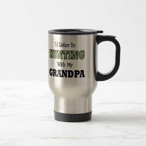Estaría cazando bastante con el abuelo taza de viaje