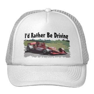 Estaría conduciendo bastante el gorra del coche de