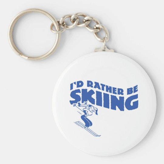 Estaría esquiando bastante (la hembra) llavero redondo tipo pin