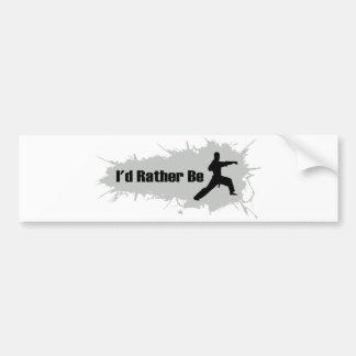 Estaría haciendo bastante karate pegatina para auto