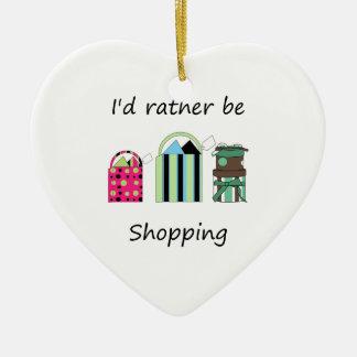 Estaría haciendo compras bastante ornamento para arbol de navidad