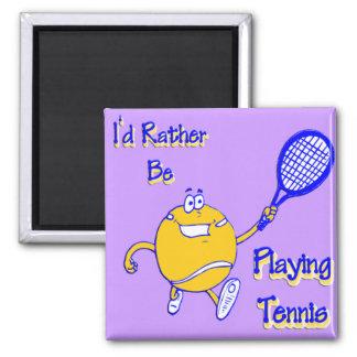 Estaría jugando bastante a tenis imán cuadrado