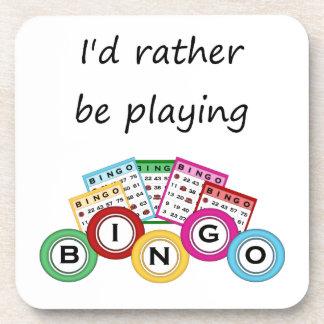 Estaría jugando bastante bingo posavasos