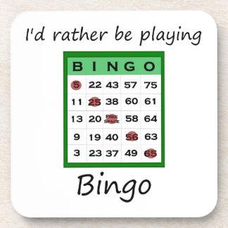 Estaría jugando bastante el bingo (la tarjeta) posavasos de bebidas