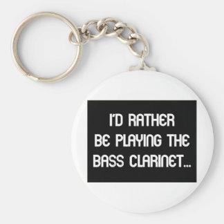 Estaría jugando bastante el clarinete bajo llavero redondo tipo pin