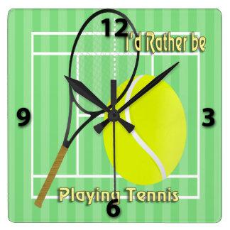 Estaría jugando bastante el reloj de pared del ten