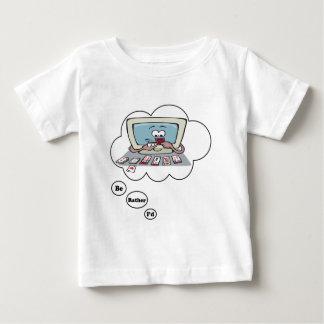 Estaría jugando bastante el solitario tee shirt