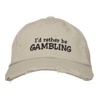 Estaría jugando bastante gorra de béisbol bordada
