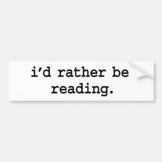 estaría leyendo bastante pegatina para auto