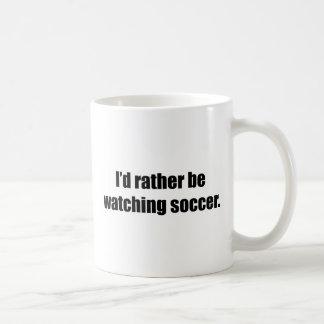 Estaría mirando bastante fútbol taza básica blanca