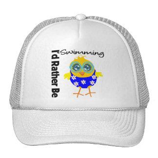 Estaría nadando bastante el polluelo gorras de camionero