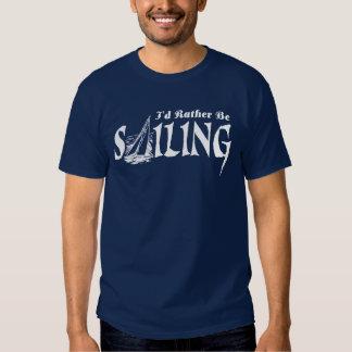 Estaría navegando bastante camisas