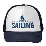 Estaría navegando bastante el gorra