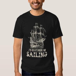 Estaría navegando bastante la camisa náutica del