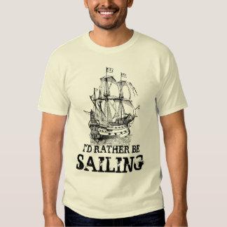 Estaría navegando bastante la camiseta náutica del playera