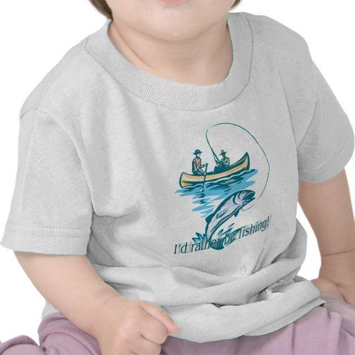 ¡Estaría pescando bastante! Camiseta