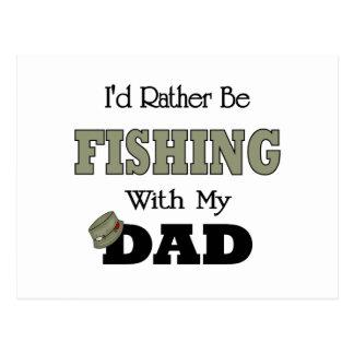 Estaría pescando bastante con el papá tarjetas postales