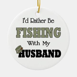 Estaría pescando bastante con mi marido adorno navideño redondo de cerámica