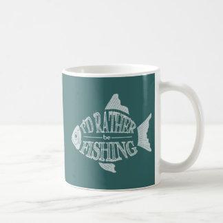 Estaría pescando bastante - diseño lindo de los taza básica blanca
